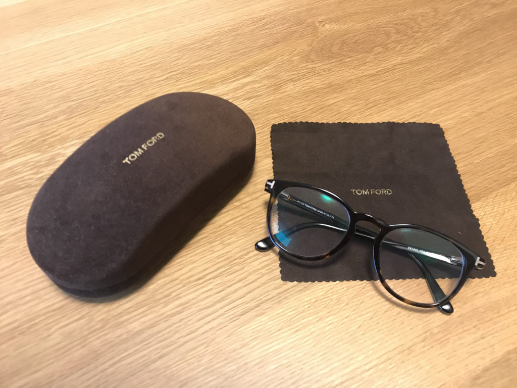 smart buy glass(スマートバイグラス)で購入したTom Ford眼鏡